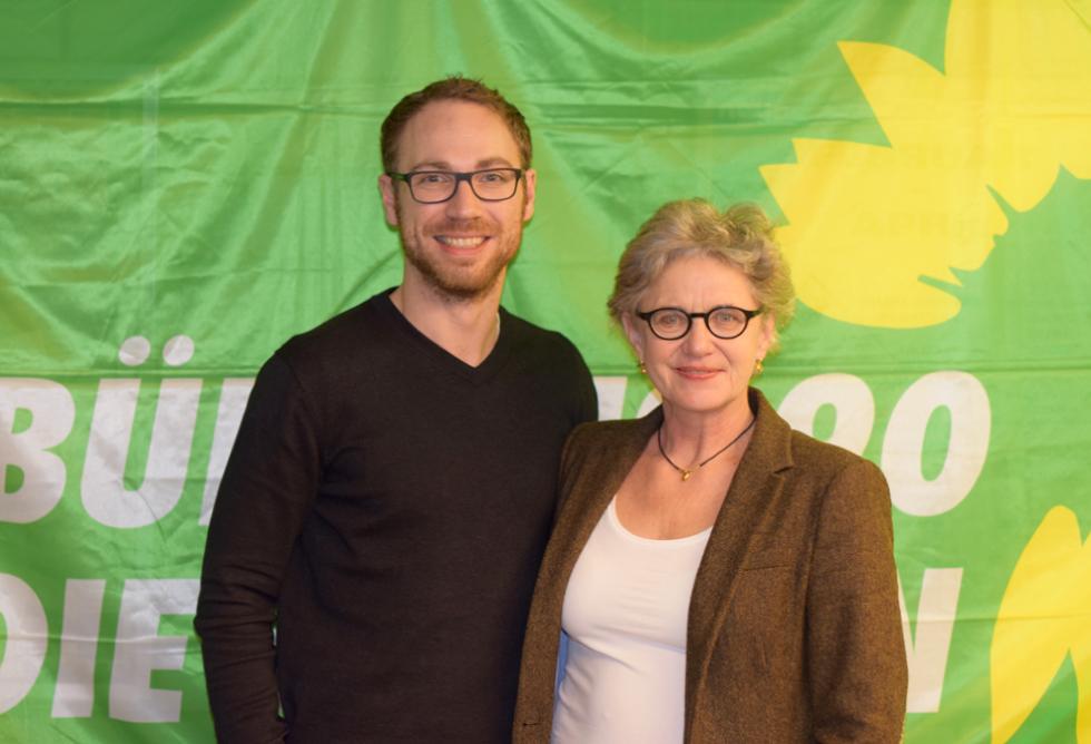 Bild: Bezirkstagskandidat Jan Halbauer, Landtagskandidatin Gabriele Triebel