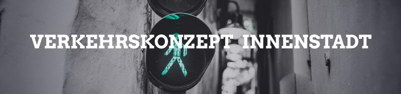 """Bild: Grüne Fußgängeramper mit Schriftzug """"Verkehrskonzept Innenstadt"""""""